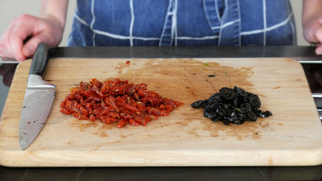 Sun-dried Tomatoes, black Olives